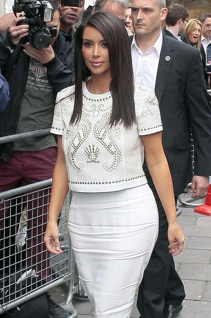 Kim Kardashian Long Side Part - Kim Kardashian Long Hairstyles - StyleBistro