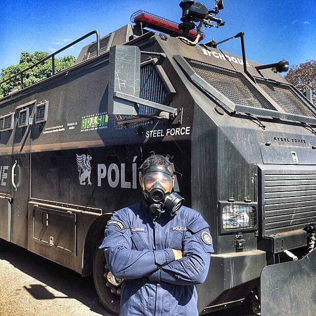 Curso - Controle de Distúrbio Civil do GPE / 6BPM (Esplanada). #pmdf #pm #policia #policiamilitar #servireproteger #muitomaisqueseguranca #brasiliasegura #brasilia #bsb #rotam #patamo #bpcaes #gtop #bope #gtm #gtam #raio #rpmon #bavop #df #distritofederal by pmdfoficial
