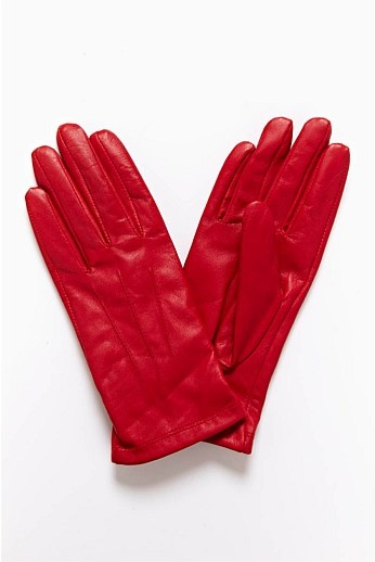 These red leather gloves will add a pop of colour to your winter wardrobe. Blue Illusion.