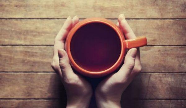 Ποια ειναι η πιο κατάλληλη ώρα για να πιεις τον πρωινό σου καφέ;