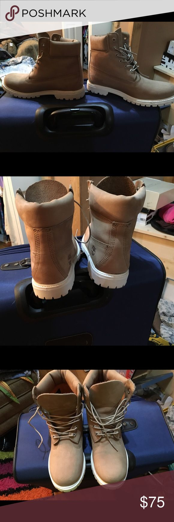 """Women's Timberland Premium Boot Women's Timberland 6"""" premium boot. Size 9. Bone/White in color. Classic support. Have been sprayed with water resistant spray so they will stay clean. Worn LESS than 5 times. Only selling because fit too snug with socks. Timberland Shoes Lace Up Boots"""