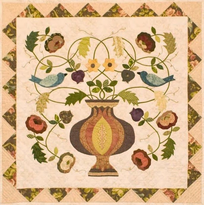 Garden of Life. Friendship Knot Quilters Guild. Flowering Urn Medallion from Floral Abundance