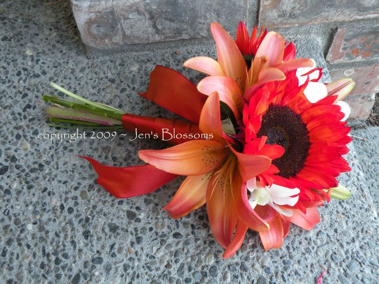 Red Sunflower Bouquet: Jen Blossoms, Sunflowers Bouquets, Summer Wedding, Blossoms Blog, Sunflowers Wedding Bouquets, Bouquets Ideas, Red Sunflowers Wedding, Bridesmaid Bouquets, Britt Bouquets