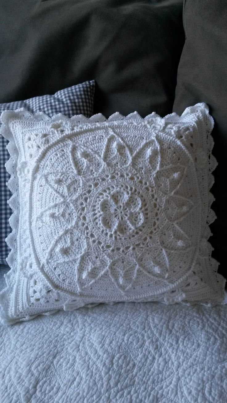 #1) SOPHIE'S GARDEN - Apparently, all of the beautiful pieces that follow (22!) are derived from this one pillow!  ♥A