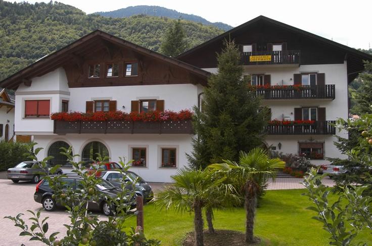 Residence Obermayr - bij Herr und Frau Knoll in Lana (sudtirol) Zaalig!