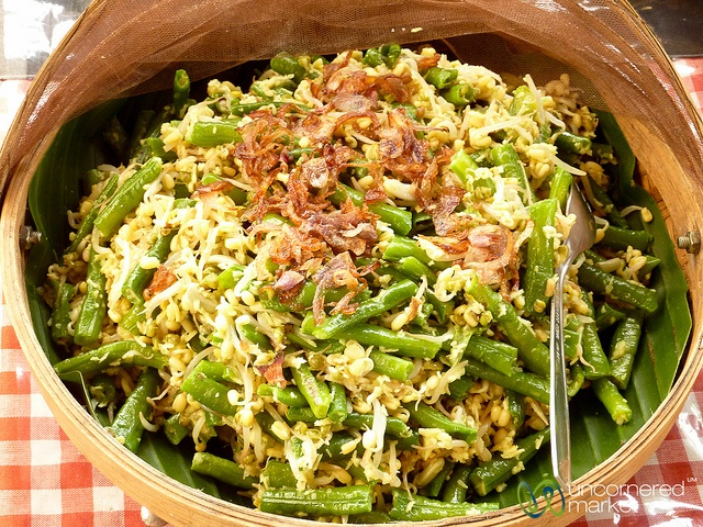 Sayur Urab (Mixed Vegetables) - Bali, Indonesia by uncorneredmarket, via Flickr