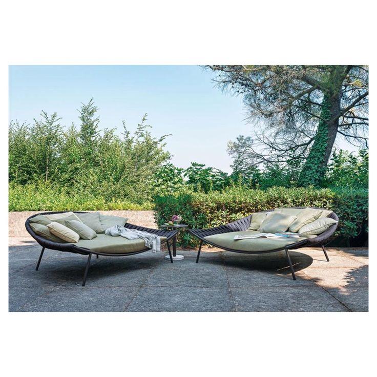 Gartenmobel Ausverkauf Ausverkauf Bei Colombo La Famiglia An Der Seestrasse 9 In Zollikon Rabatte Ab Outdoor Furniture Outdoor Furniture Sets Outdoor Decor