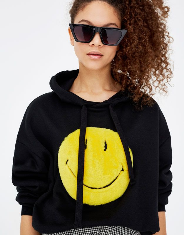 Smiley face T-shirt - Sweatshirts & Hoodies - Clothing - Woman - PULL&BEAR United Kingdom