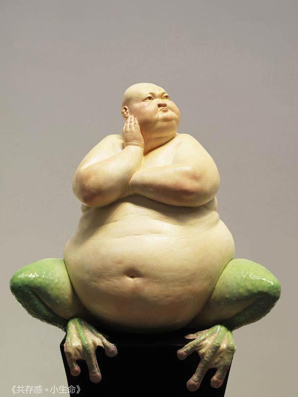 Hybrides – Les étranges sculptures réalistes de Liu Xue (image) Le crapaud de Saby