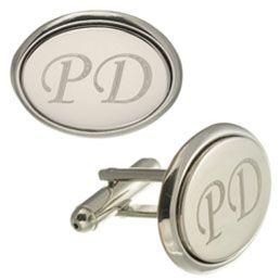 Butoni personalizati prin gravura cu initiale