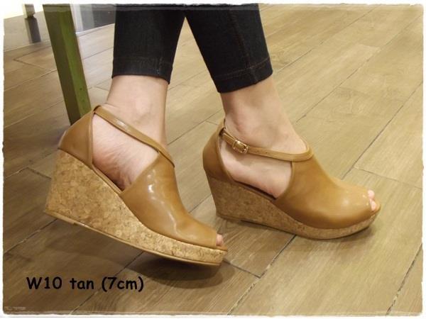 Wedges -- tan -- heels 7cm  IDR 20.000