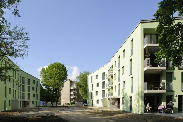 GAG Immobilien AG, Cologne contracted ASTOC Architects and Planners to renovate and upgrade the housing complex in urban district of Ostheim in Cologne.