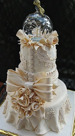 Two-tiered lace anniversary cake.  Absolutely the most stunning cake I've seen yet.  LOVE it! ᘡղᘠ