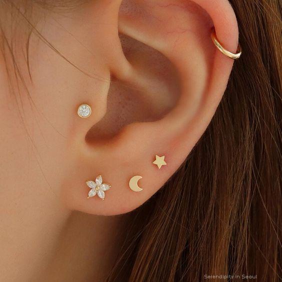 Ear Piercing Chart - Piercings na orelha para homens e mulheres - Piercings - Piercing Chart, Innenohr Piercing, Ear Piercings Chart, Ear Peircings, Ear Piercings Helix, Triple Lobe Piercing, Double Cartilage, Tongue Piercings, Helix Piercing Jewelry