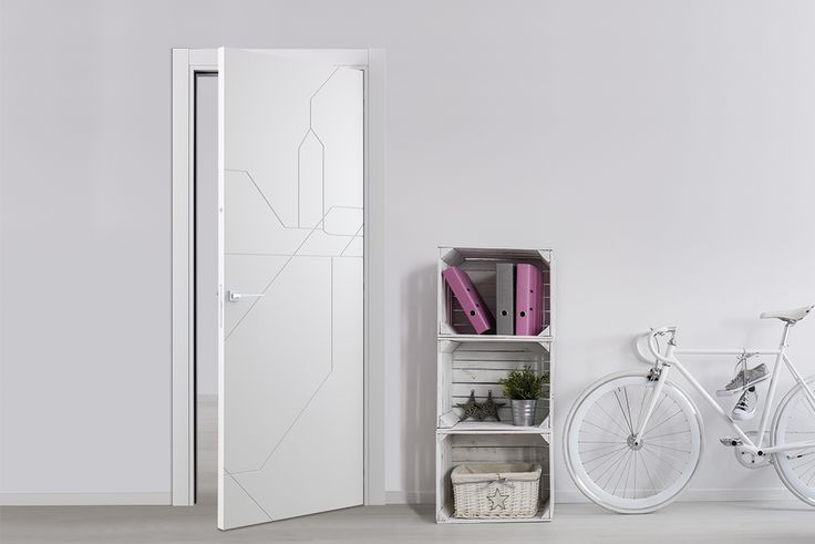 METRO MAP Collection LONDON white lacquered. Mondrian handle