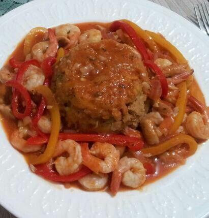 Mofongo con camarones en salsa roja ranchera......