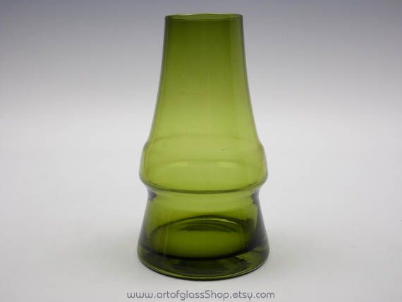Riihimaki 'Piippu' olive green glass vase by Aimo Okkolin