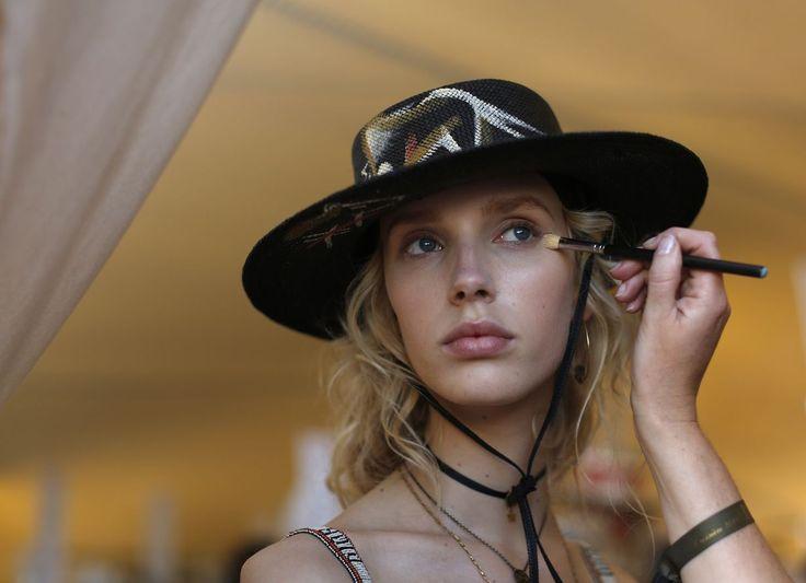 Miten meikkivoide levitetään? Täsmäohjeet, joilla onnistut aina | Me Naiset