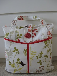 overnight bag Original tutorial link (diaper bag): http://www.make-baby-stuff.com/free-diaper-bag-pattern.html