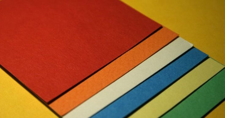 Imprimir a cor branca em papel colorido pode parece uma tarefa fácil. Afinal de contas, imprimir cores em um papel branco é muito simples. O problema é que impressoras a jato de ...