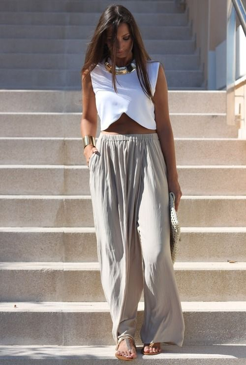 This top and wide leg pants are to die for - when spring comes I will be purchasing!:)