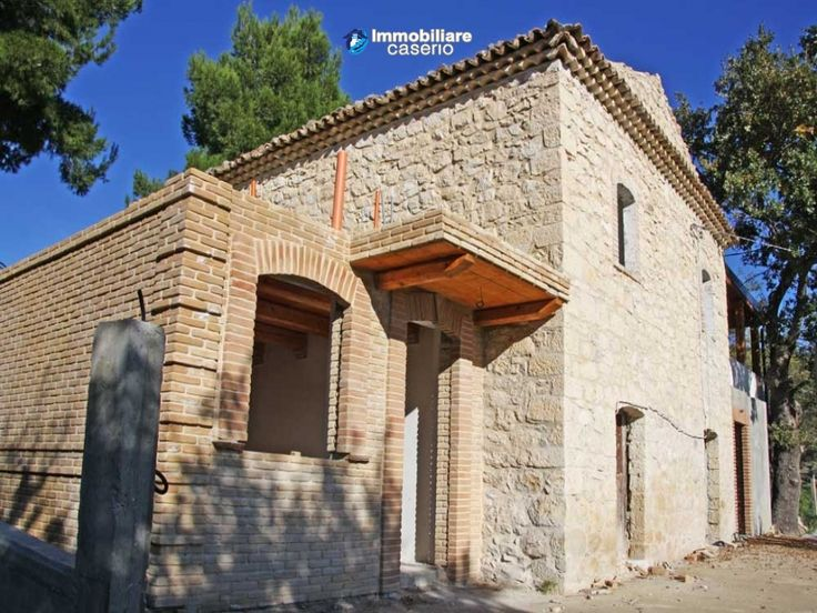 #Dogliola #abruzzo #immobiliarecaserio #22673 #chieti #stonehouse # http://immobiliarecaserio.com/Stone-country-house-under-renovation-ideal-for-BB-with-4-acres-of-land-for-sale_473.html