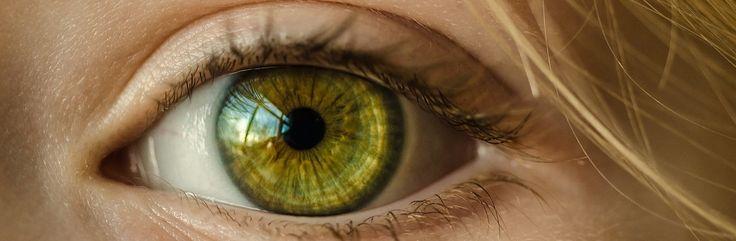 Damit wir eine funktionierende Netzhaut des Auges haben, muss diese immer ausreichend mit Blut versorgt werden. Kommt es zu Durchblutungsstörungen der Gefäße der Netzhaut, hat dies unmittelbaren Einfluss auf das Sehvermögen und kann von einer Sehbehinderungen bis hin zur Blindheit führen. #eyes#health#gesundheit#augen#krankheit#netzhaut