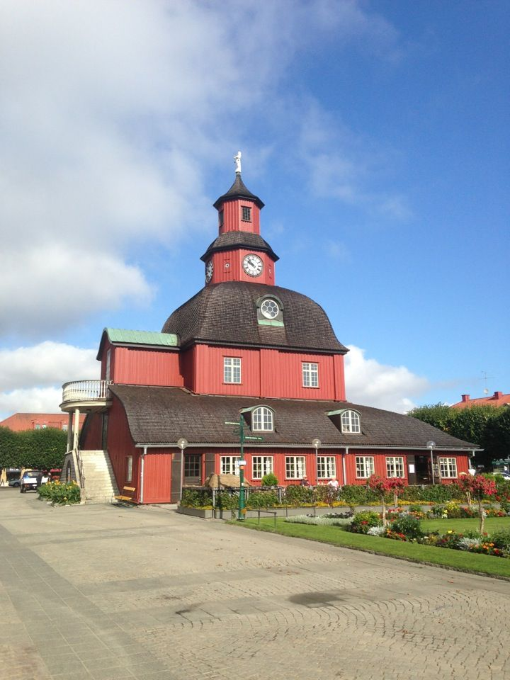 Lidköping, my grandma and grandpa lived here.