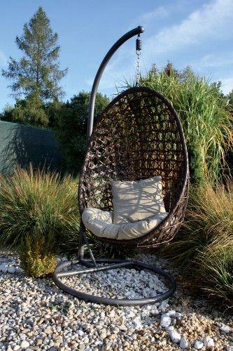 Ať už pro odpolední odpočinek, četbu knížky nebo jako místo k sezení při grilovačce - pro jakoukoliv zábavu i relaxaci je tu zahradní houpačka Borneo....
