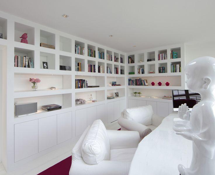 Boekenkast in wit