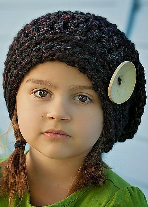 Elegant Slouchy Hat Crochet Pattern made with @lionbrandyarn Wool Ease Thick & Quick Yarn. This adorable crochet hat pattern is incredibly cute and stylish, and perfect for all ages. It's made with a chunky yarn and large hook, so it's a quick to make project. Great for gift giving!