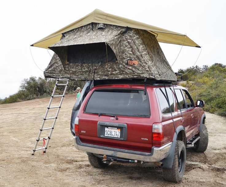Kukenam Camo roof top tent, rear view, roof top tent