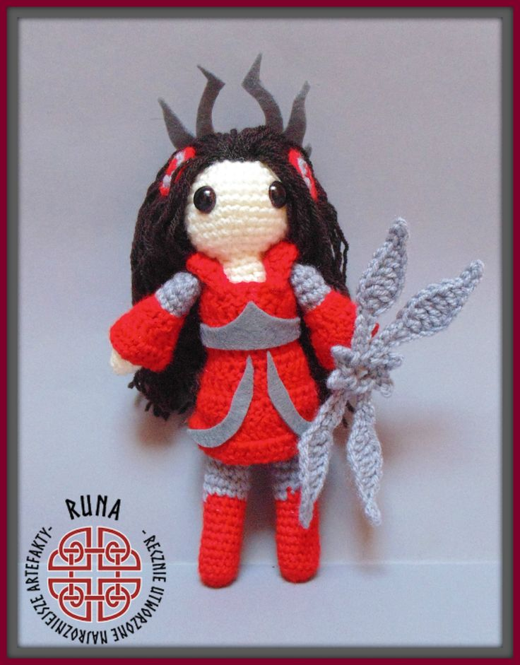 Crochet Irelia from League of Legends, my own idea and pattern:)