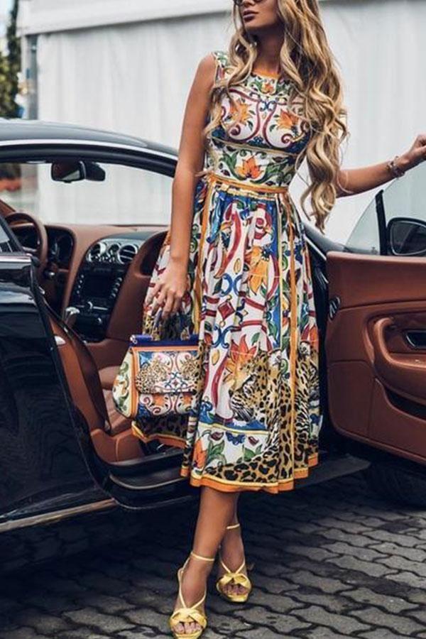 35aa2669949d Round-Necked Sleeveless Vintage Print Maxi Dress in 2019