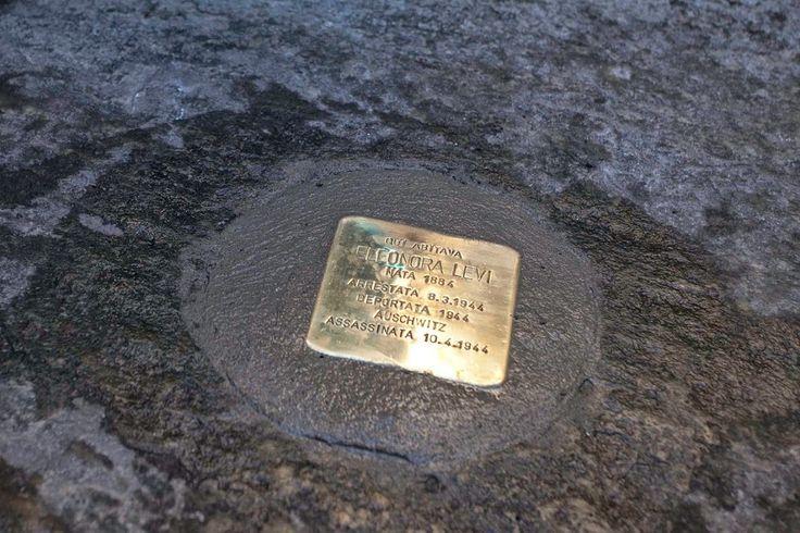 Il Museo Diffuso della Resistenza, con la Comunità Ebraica di Torino, il Goethe-Institut Turin e l'Associazione Nazionale Ex Deportati (Aned) – sezione di Torino, ha portato nella nostra città l'eccezionale marcatore del territorio con una doppia valenza di conservazione e restituzione della memoria storica.