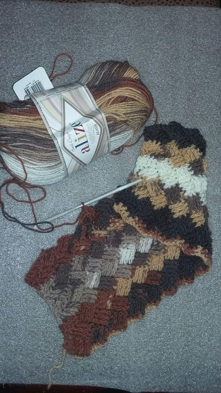 """Опробовала узор """"плетенка"""",очень красивый и теплый. Но пряжи потребуется вдвое больше"""
