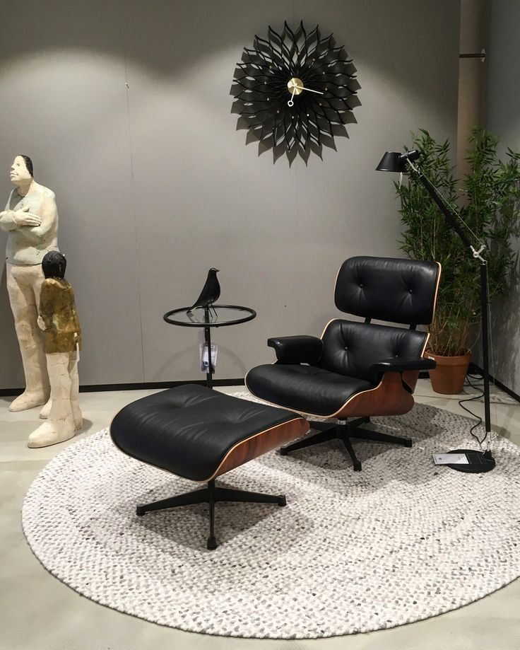 Eames Lounge Chair, (Charles U0026 Ray Eames, In Combination With Artemide  Tolomeo Floorlamp (Michele De Lucchi), ClassiCon Adjustable Table (Eileen  Gray) ...