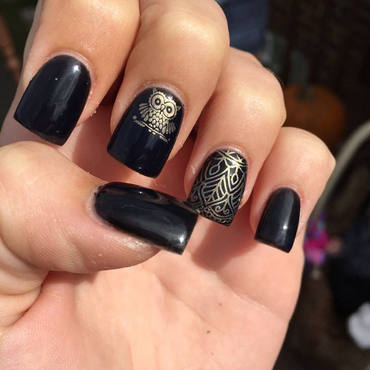 Black acrylic nails with gold owls
