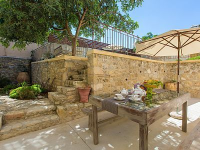 Rethymno villa rental - Outdoor dining area for the whole family!