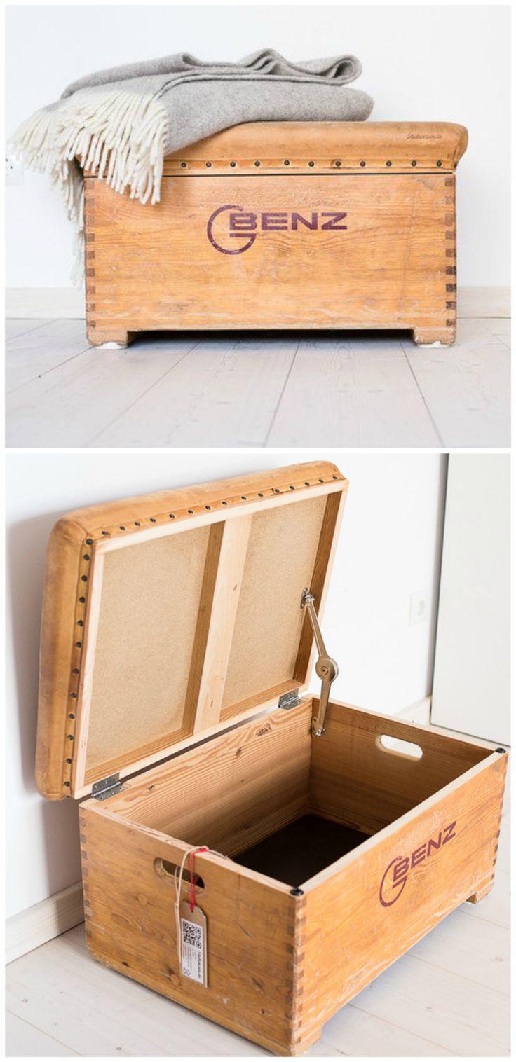 Absoluter Hingucker für das Zuhause von jedem Sportfan: Truhe aus einem Turnkasten. Geschenk kaufen von Subenzier via DaWanda.com
