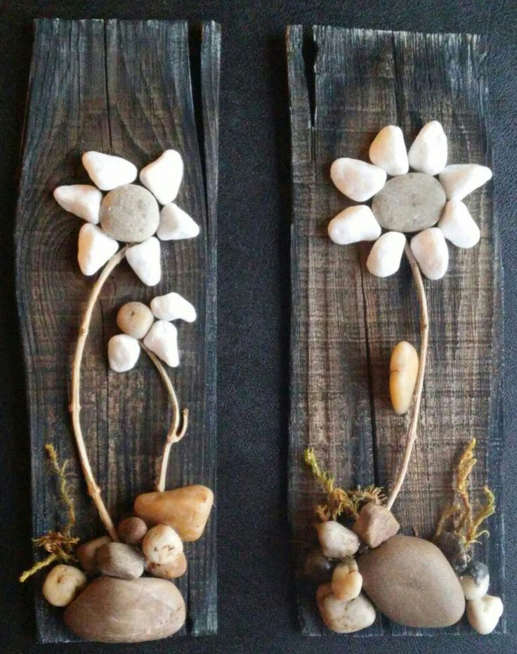 A little scrap wood, moss, twigs, rocks and pebbles.....what do you get....FLOWERS of course!