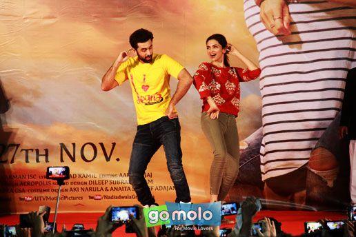 Ranbir Kapoor & Deepika Padukone at the Promotion of Hindi movie 'Tamasha' at Pillai College in Mumbai