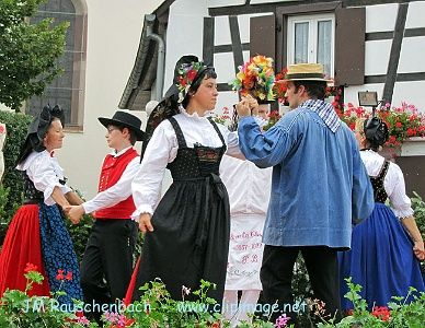 danse-folklorique-alsacienne.les-lys-marlenheim.alsace.27...