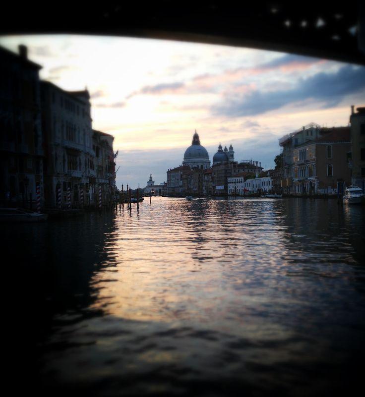 #snapseed La città di Venezia all'alba scattata con iPhone 5 post prodotta con app snapseed