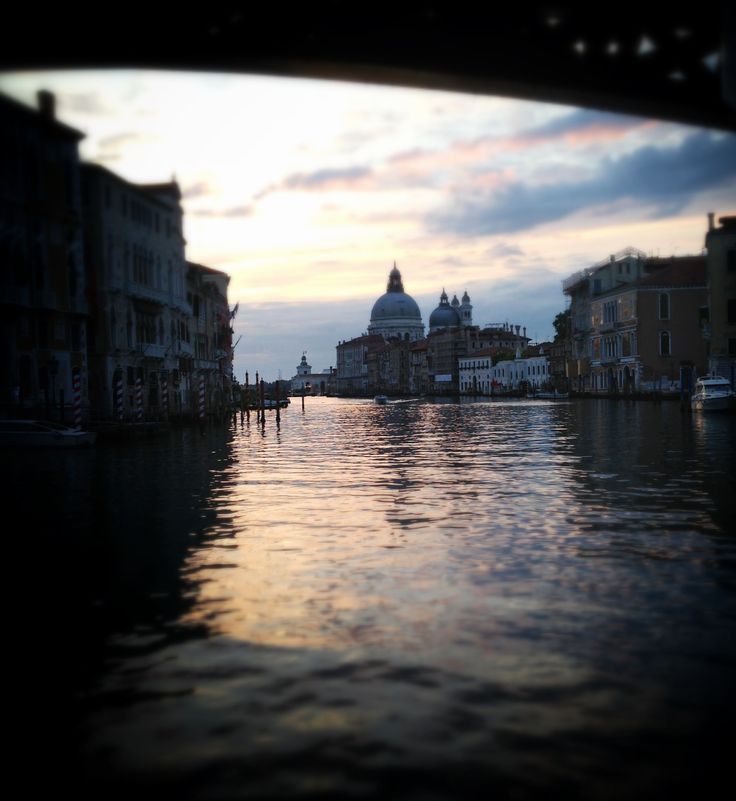 #snapseed La città di Venezia all'alba scattata con iPhone 5 post prodotta con app snapseed