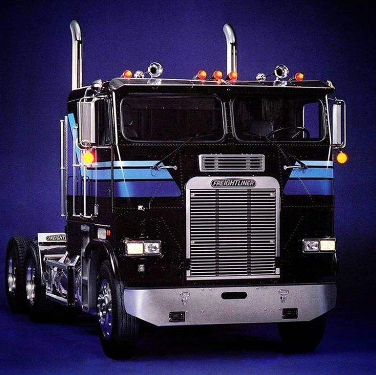 Freightliner Trucks - US Trailer would like to buy used trailers in any condition to or from you. Contact USTrailer and let us buy your trailer. Click to http://USTrailer.com or Call 816-795-8484
