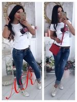Одежда Повседневная женская футболка с аппликацией яблоко белая