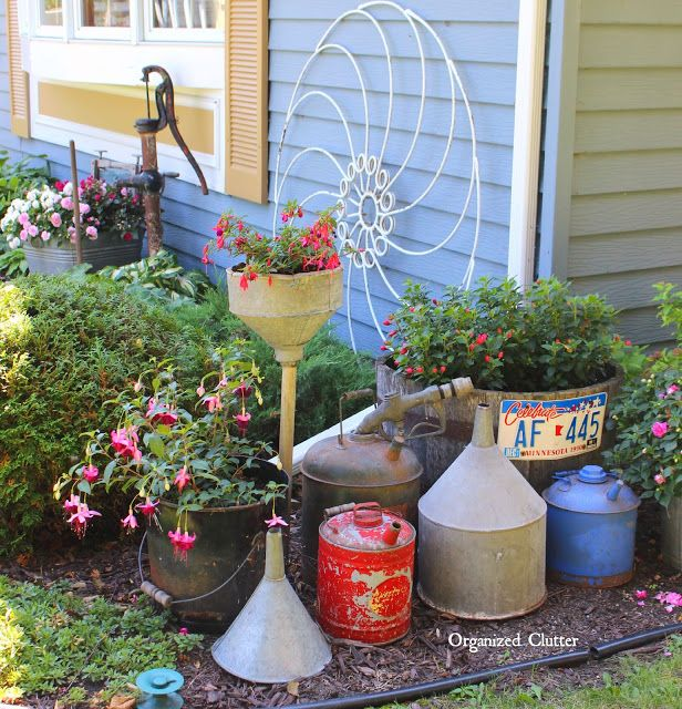 The organized clutter 2015 junk garden tour via for Funky garden accessories