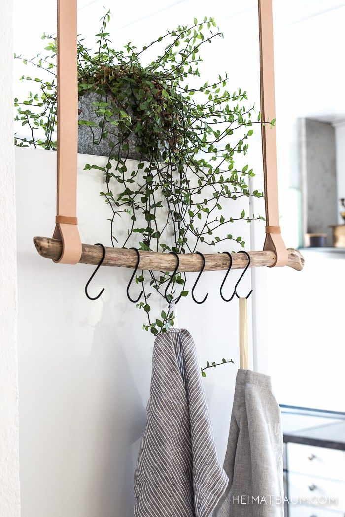 DIY - Dishtowel holder with leather and driftwood by heimatbaum.com More