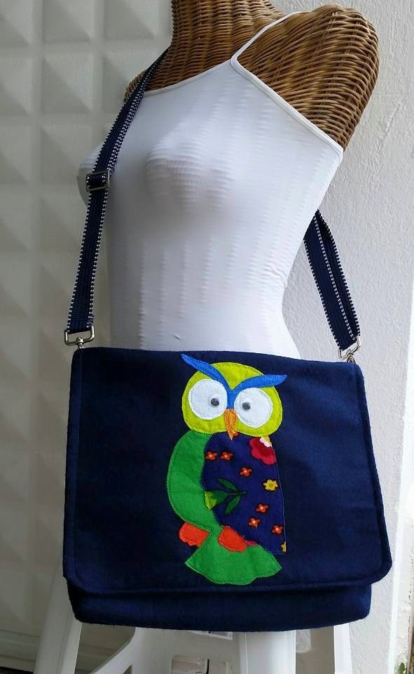 Dark blue felt crossbody bag with an owl applique. diy. Handmade. #owl #bag #felt #crossbody